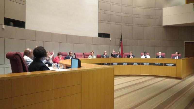 Charlotte City Council members voted unanimously to meet on April 7 to appoint a new mayor.