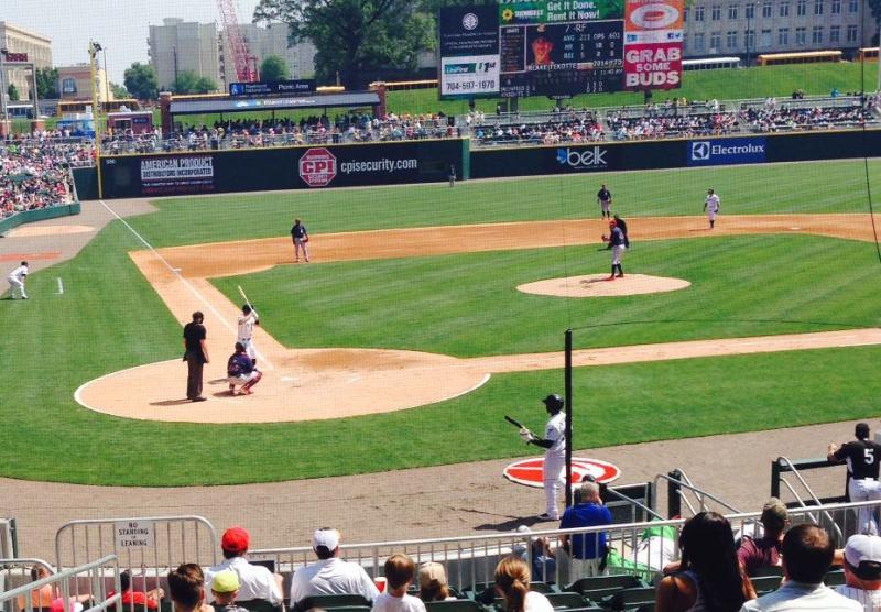 Tyler Saladino up to bat.