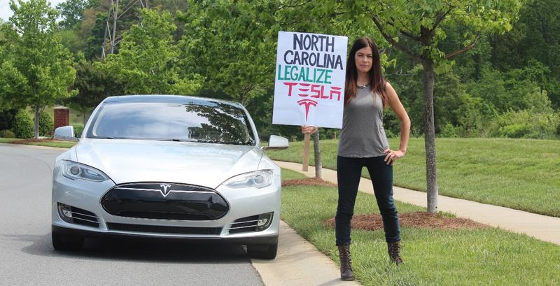 Leilani Munter is a race car driver, environmental activist and Tesla advocate.