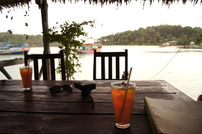 Iced tea, lake, table