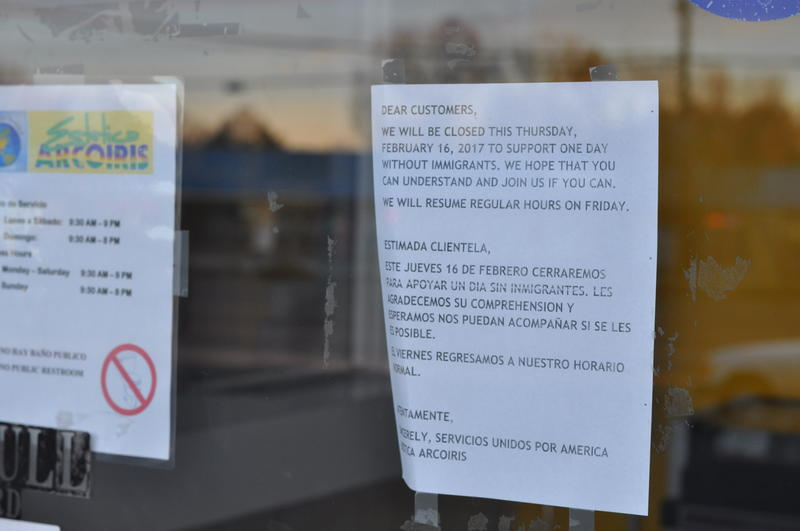 A sign posted on the doors of Estetica Arcoiris, a print shop and internet cafe, on Central Ave.