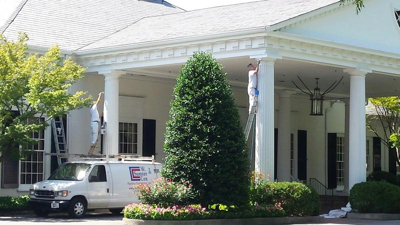 Workers put final pre-Championship touches on Quail Hollow Clubhouse