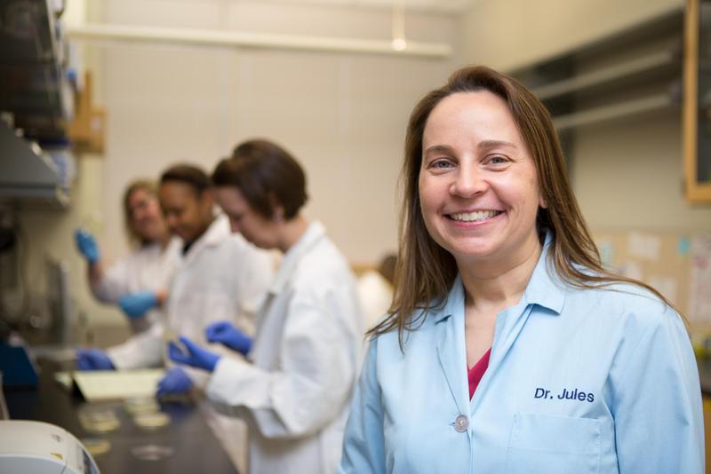 Dr. Julie Horvath