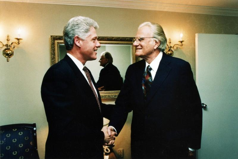 Billy Graham meets with President Bill Clinton.