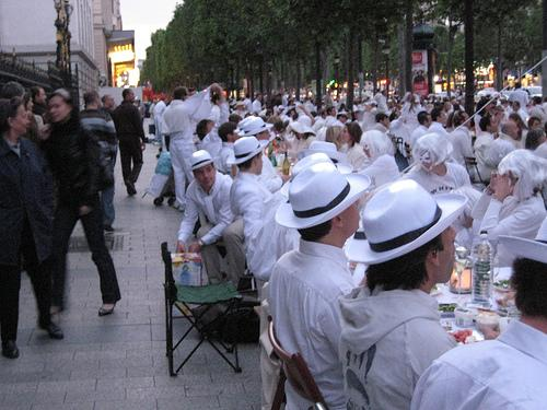 Annually, thousands (my estimation is about 10k for this one) of Parisians gather and have what they call the