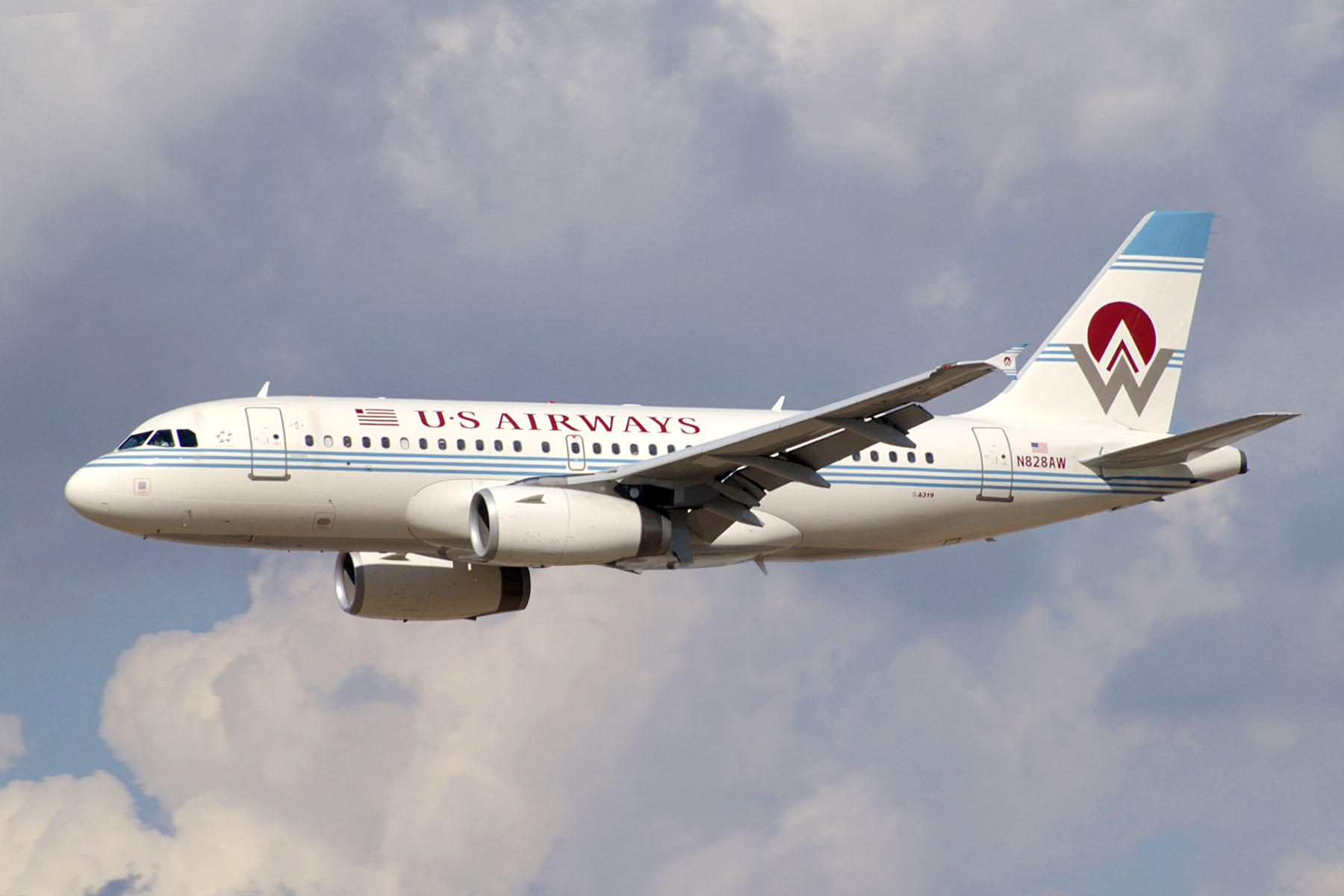 us airways history Us airways traces its history to all american aviation inc, a company founded by du pont family brothers richard c du pont, alexis felix du pont, jr and ceo steven.