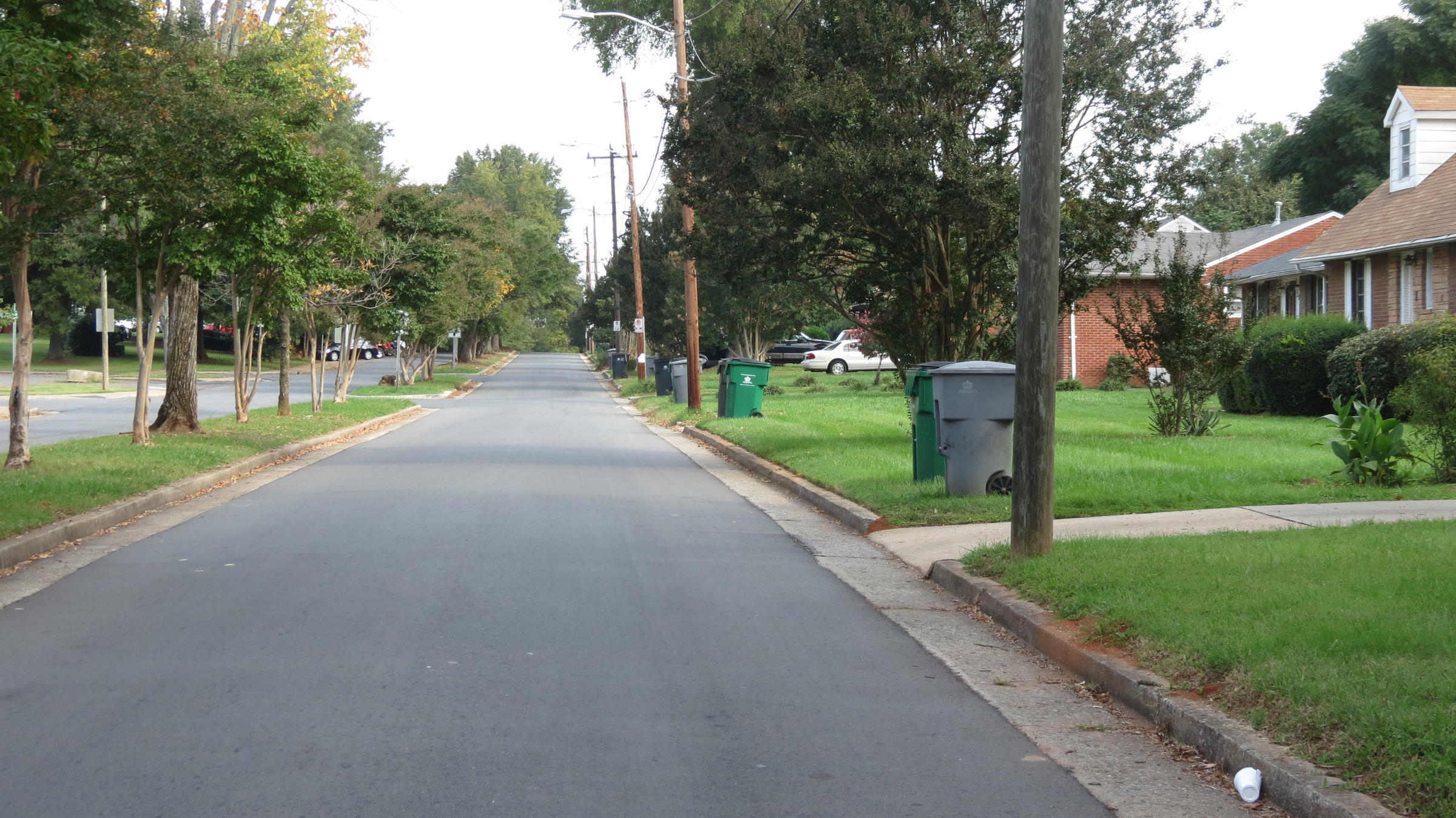 neighborhood safety zones Neighborhood slow streets is a city initiative to slow traffic speeds and improve safety on residential streets within a specific area when a neighborhood is part of the program, the speed limit on its residential streets will be 20 mph.