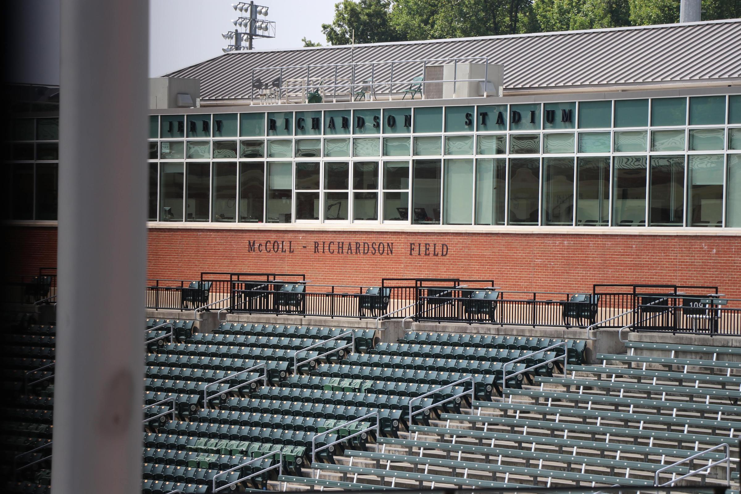 Unc Charlottes Football Stadium To Remain Jerry Richardson Stadium