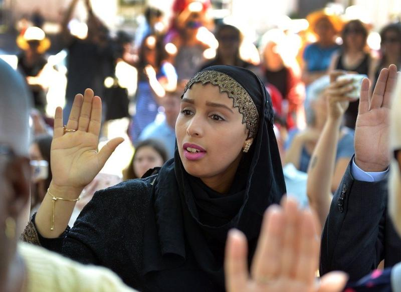 Hind Bourhim, originally from Morocco, becomes a naturalized American citizen.