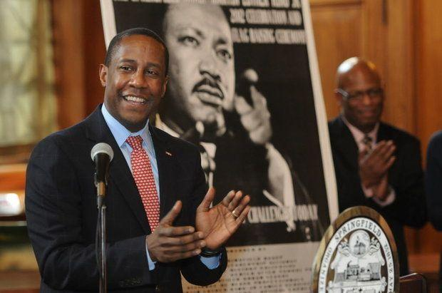 Setti Warren, Mayor of Newton and Democratic candidate for Massachusetts governor, during an appearance in Springfield in 2012.