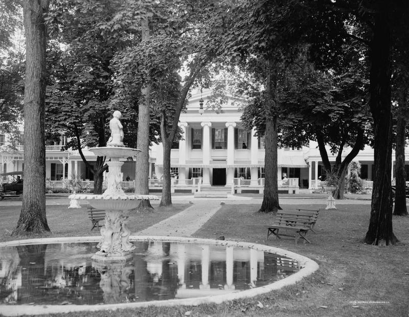 The Maplewood, on the north side of Maplewood Avenue, between North and First Streets, around 1900-1920.