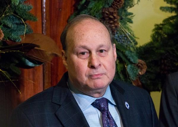 Senate to discuss Rosenberg report; resignation calls mount