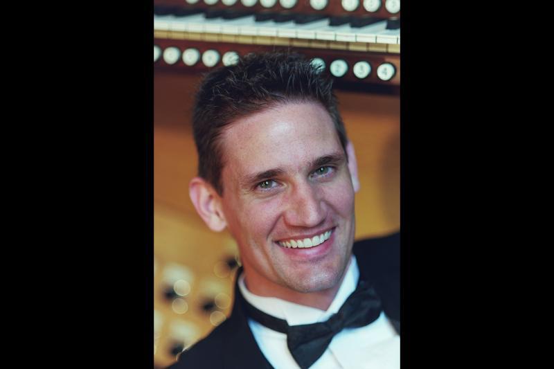 Organist Timothy Olsen.