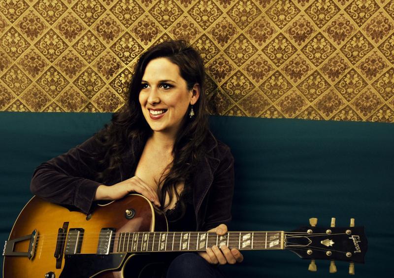 Singer/songwriter Sarah Siskind.