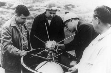 Roger Easton (left) supervising the placement of the Vanguard-1 satellite atop the Viking launch vehicle. - See more at: http://www.nrl.navy.mil/media/news-releases/2010/father-of-gps-and-pioneer-of-satellite-telemetry-and-timing-inducted-into-national-in