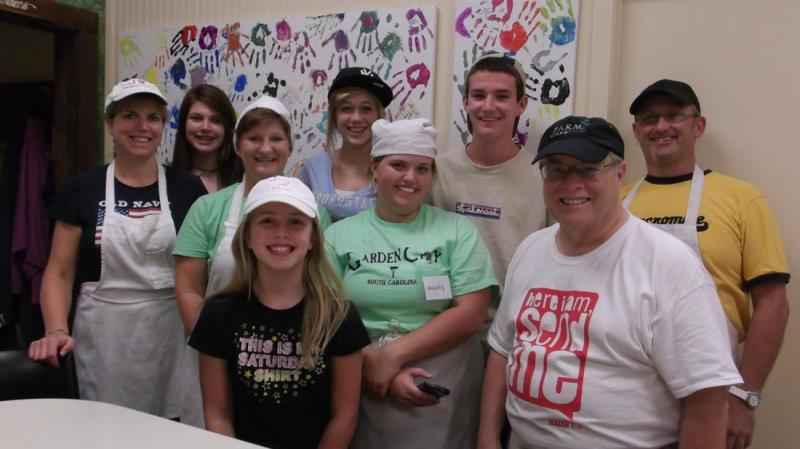 Area youth group/church members volunteers at F.A.R.M. Cafe.