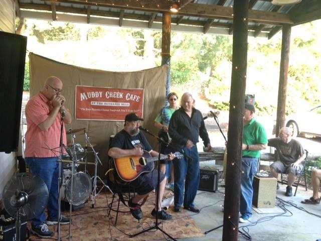 The porch scene at Muddy Creek Cafe.