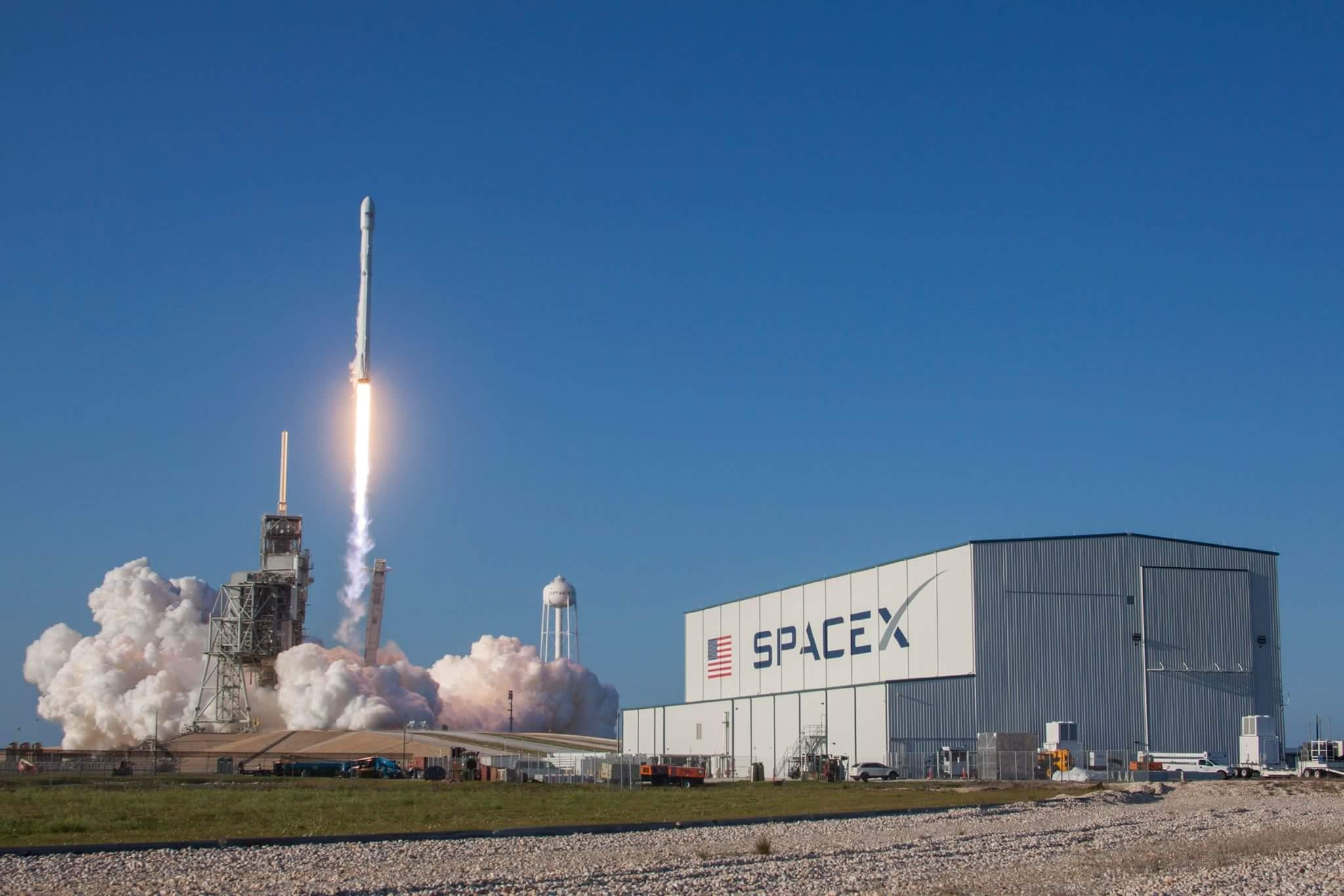 SpaceX successfully launches Falcon 9 Wednesday from Kennedy Space Center