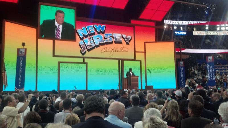 NJ Governor Chris Christie speaking at the podium