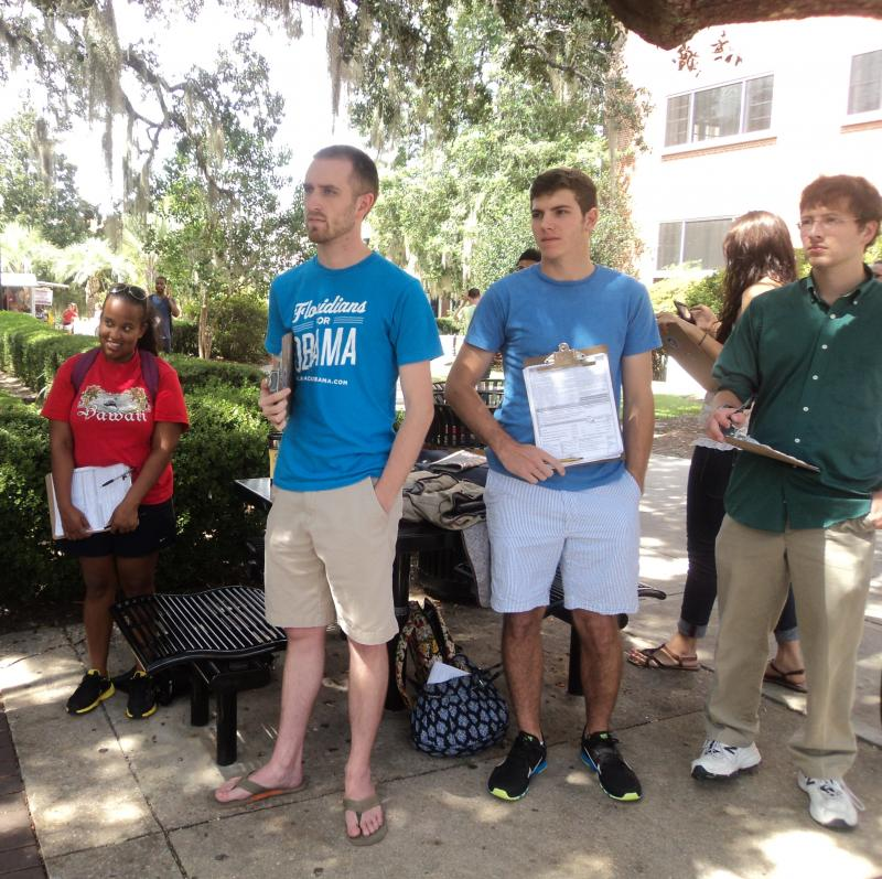 """Students for Obama"" on Florida State University campus getting ready to register voters"