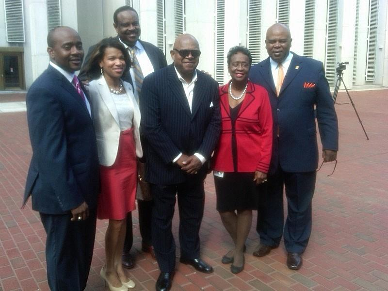 (From left to Right) Representative Alan Williams (D-Tallahassee), Kemba Smith Pradia, Actor Charles Dutton, Senator Arthenia Joyner (D-Tampa), and former Senator Al Lawson (Back)