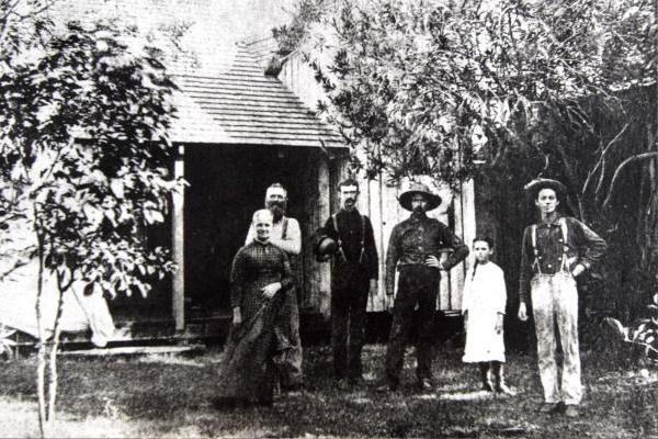Lillie Pierce Voss (second from right) was the first non-Native American woman born between Miami and Jupiter.