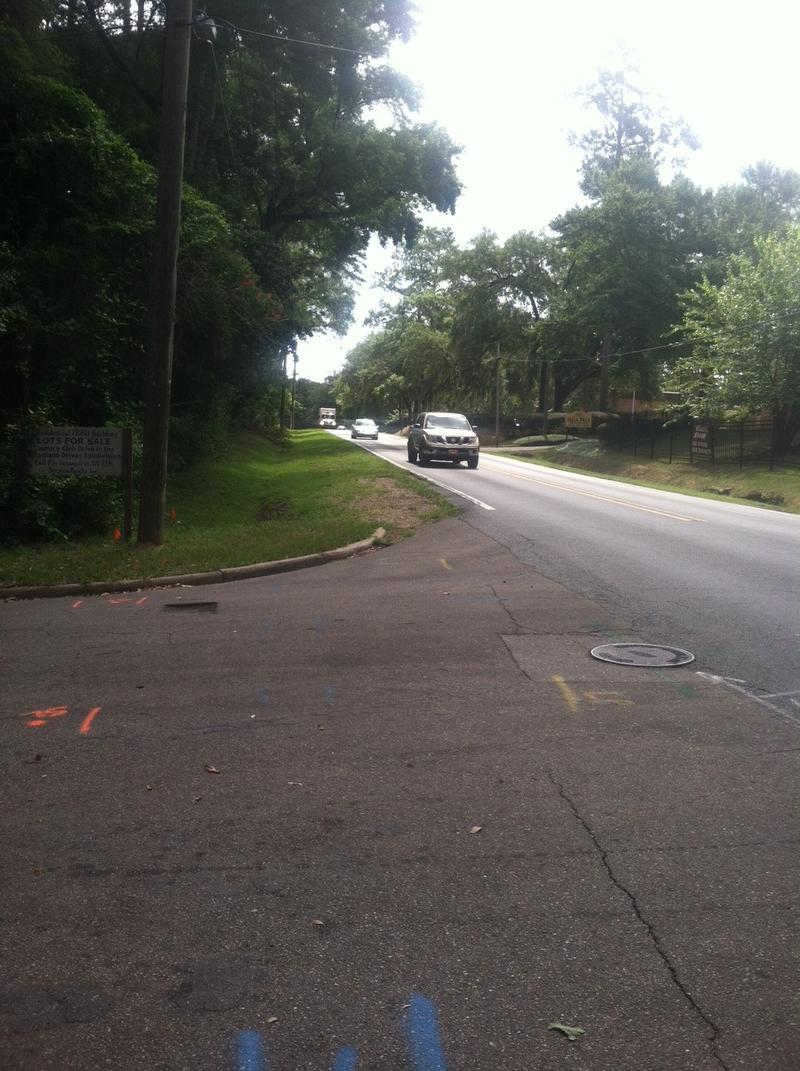 Magnolia Drive has no sidewalks between Meridian and Apalachee Parkway