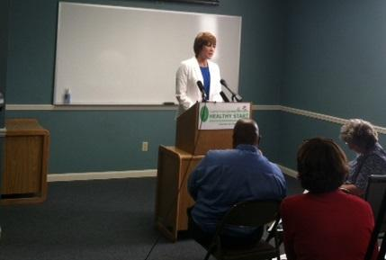 Congresswoman Gwen Graham speaks at the Healthy Start Coalition in Leon County.