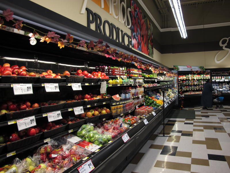 The Shop 'n Save on Centre Avenue offers a wide variety of fruits and vegetables, but a new study shows the store hasn't impacted local residents' consumption of healthy foods.