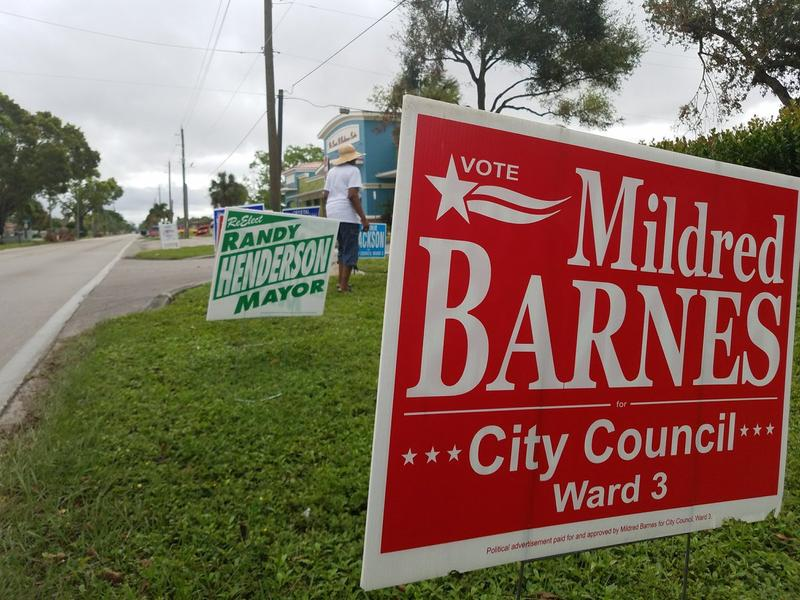 Campaing signs outside of the Carrie Robinson Community Center in Fort Myers.