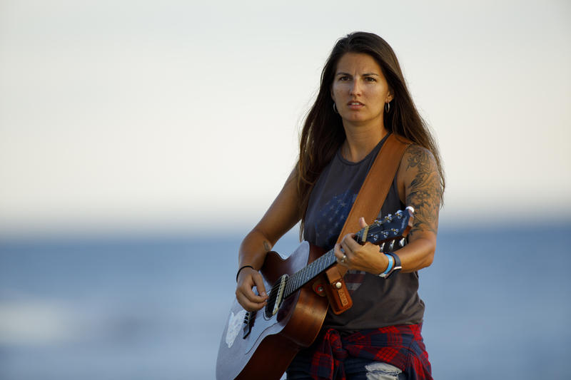 Southwest Florida Singer/Songwriter Sheena Brook