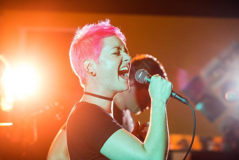 Kate Skales performing at Old Soul Brewing