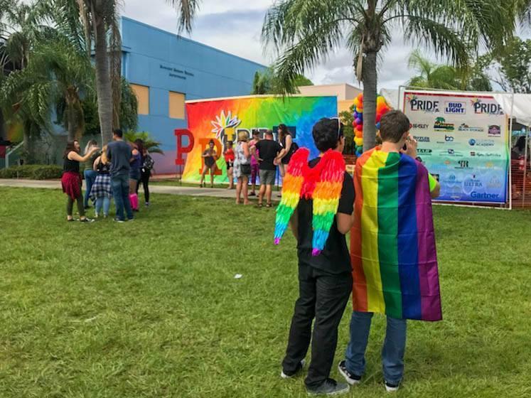 Corales morales gay escort