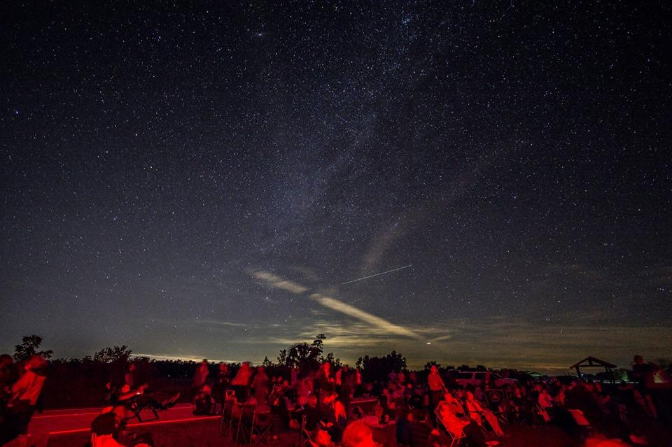 Experience a dark sky park in florida wgcu news the night sky from big cypress national preserve in january of 2017 night sky advocates prefer sky gazers to use red lights when maneuvering around the thecheapjerseys Image collections