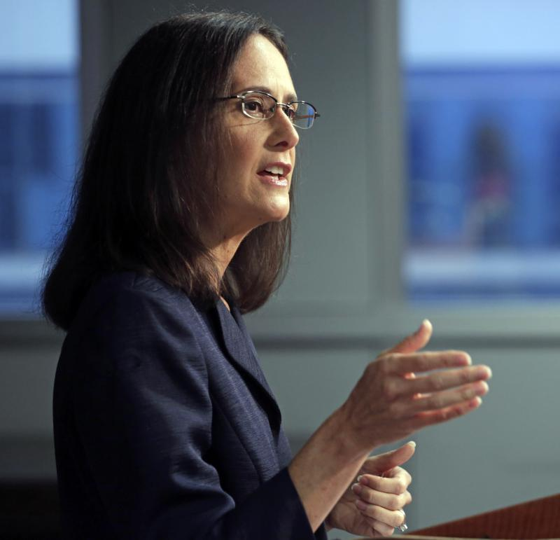Lisa Madigan at podium