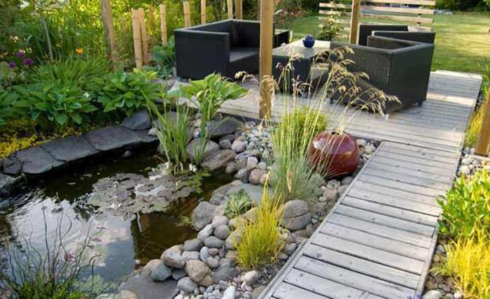 Rocks add tasteful harmony to the landscape.