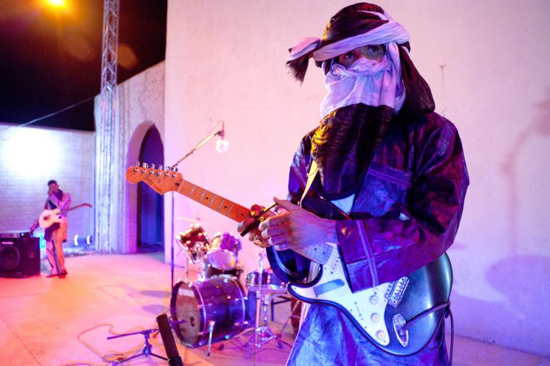 Mdou Moctar and his band