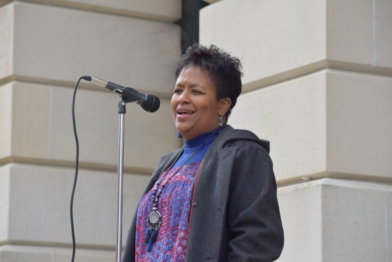Tasha Davis speaks at the domestic violence rally in downtown Bloomington on Monday, Oct. 30, 2017.