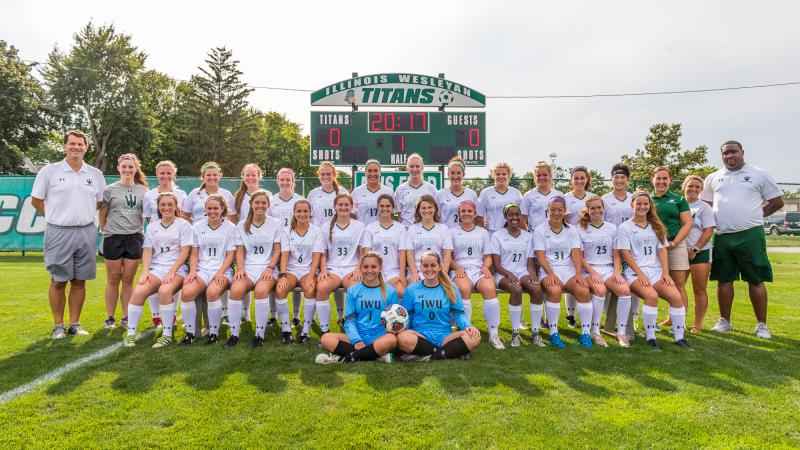 The 2017 Illinois Wesleyan soccer team.