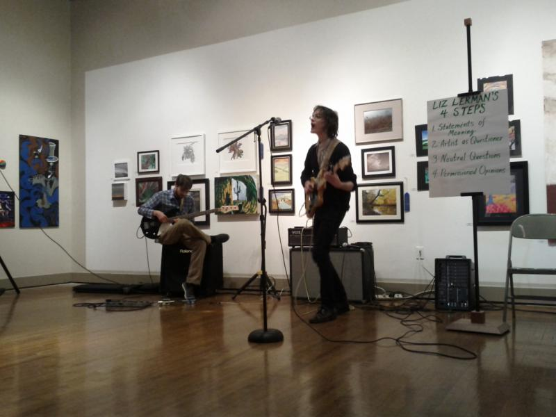 @Salon features a variety of arts and encourages communication between artists and the audience.
