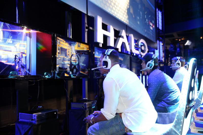 Gamers playing Halo.