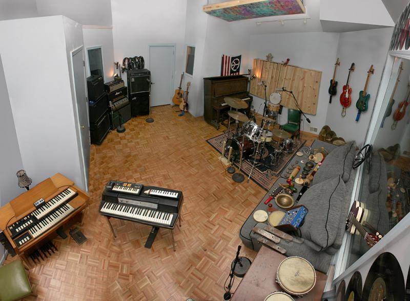 Panoramic view of Oxide Lounge Recording Studios