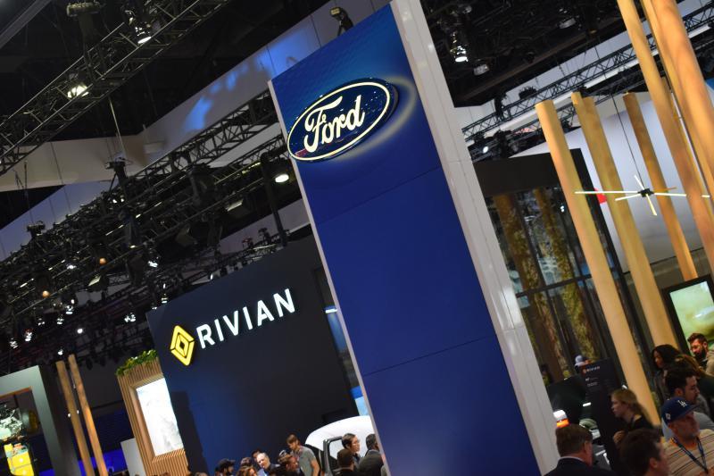 La Auto Show Tesla Detroit Loom As Rivian Charges Into Ev Market Wglt