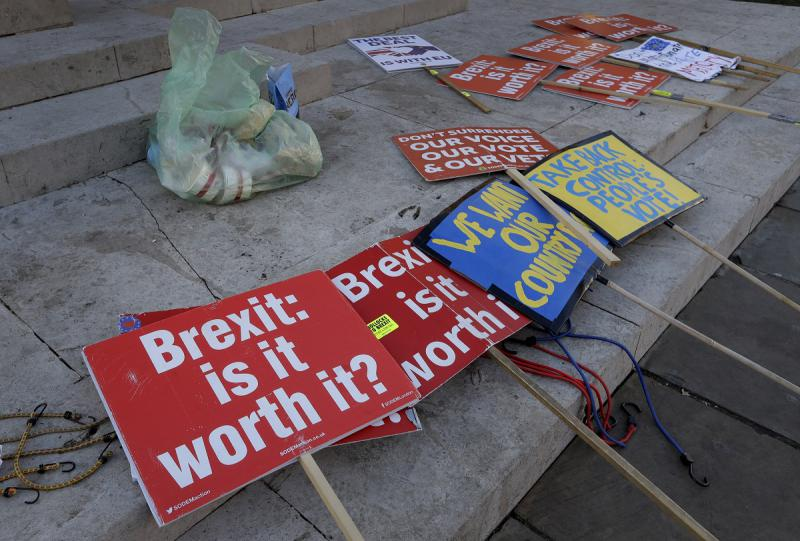 Brexit signs