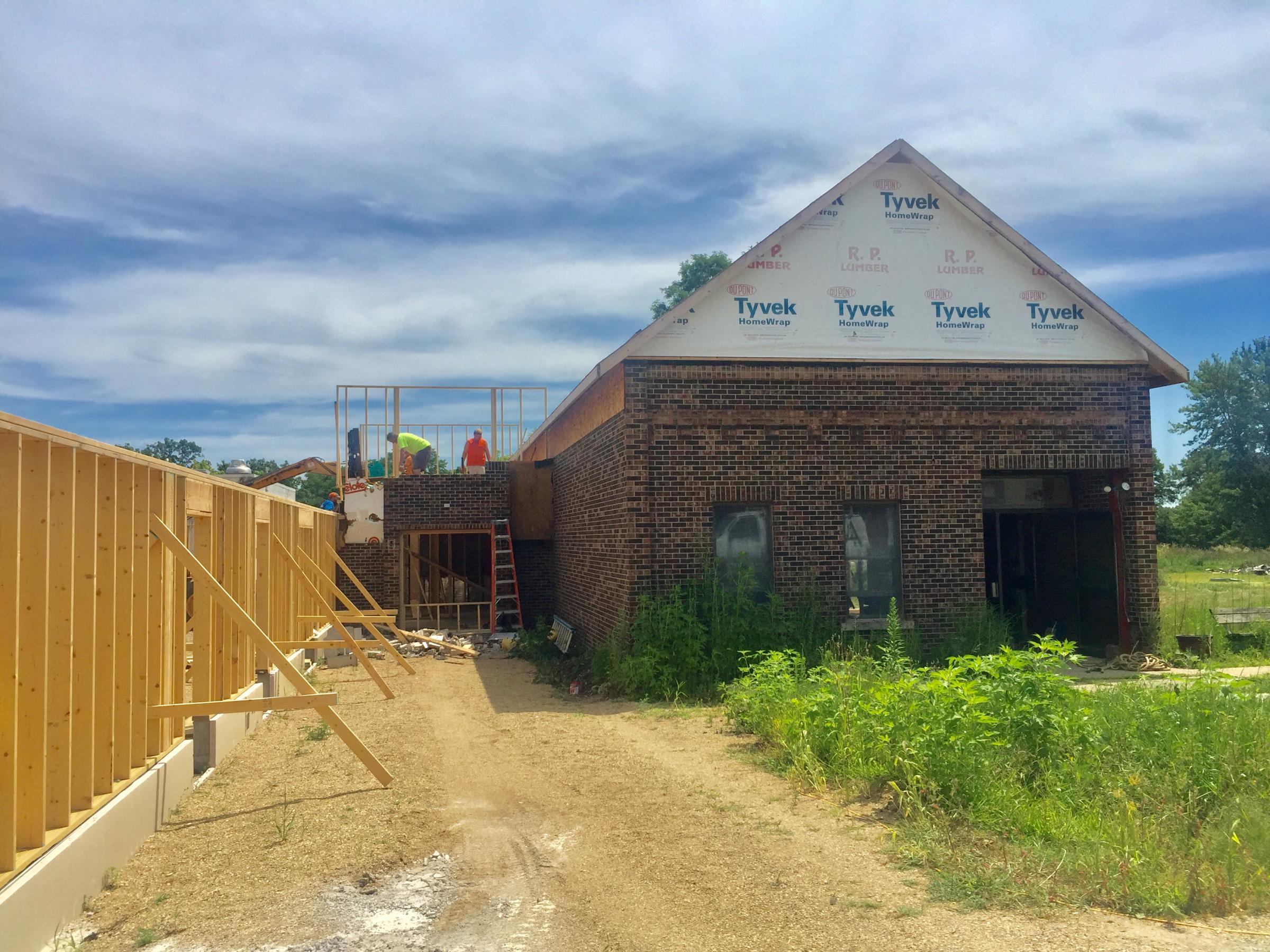 Conklin Theater Group Gets An Encore In New Barn Iii Wglt