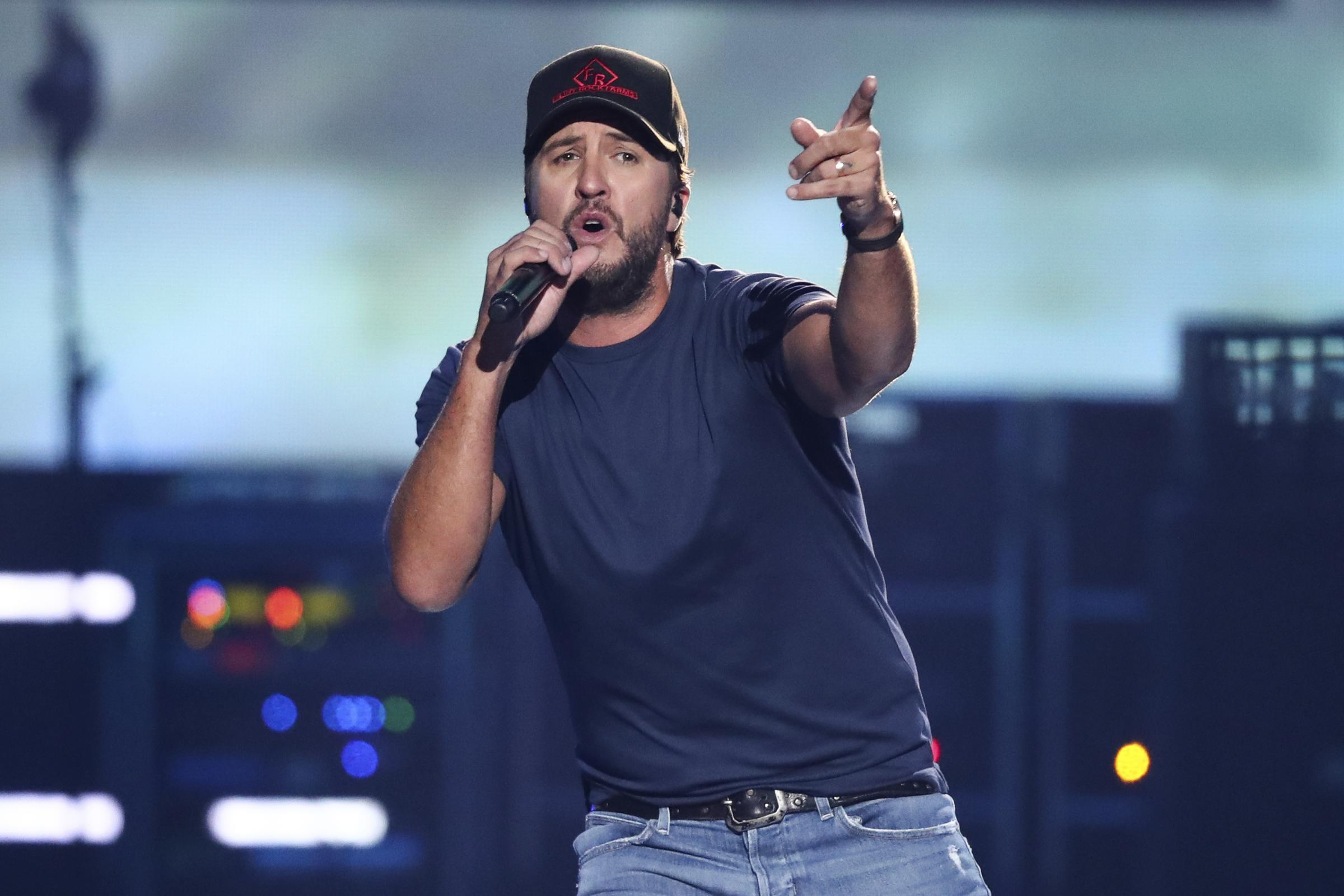 Country star luke bryan creates isu agriculture scholarship wglt luke bryan performs at the 2018 iheartradio music festival day 2 held at t mobile arena on saturday sept 22 2018 in las vegas m4hsunfo