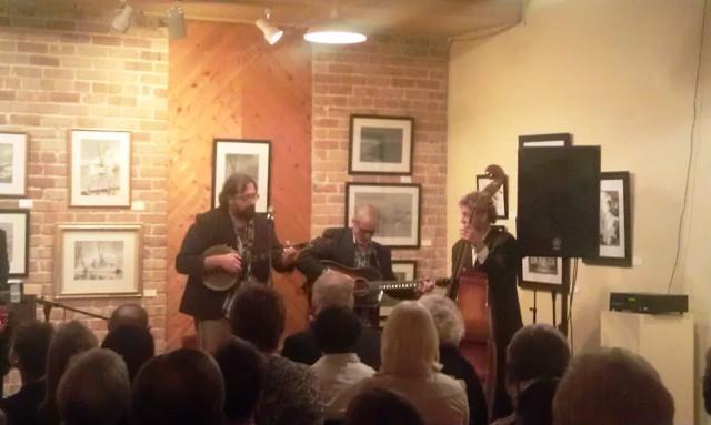 Big Al Hall's Holiday Trio