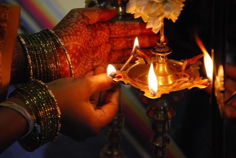 Lighting of an Oil Lamp