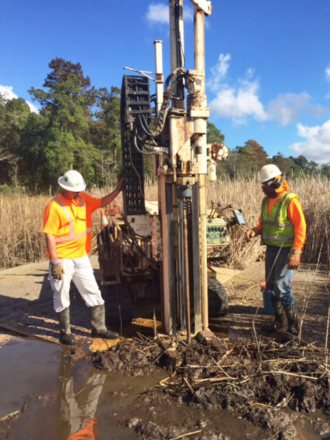 Multistate Trust contractors use state-of-the-art sampling technology to cost effectively determine if creosote contaminates marsh sediments near the Brunswick River.