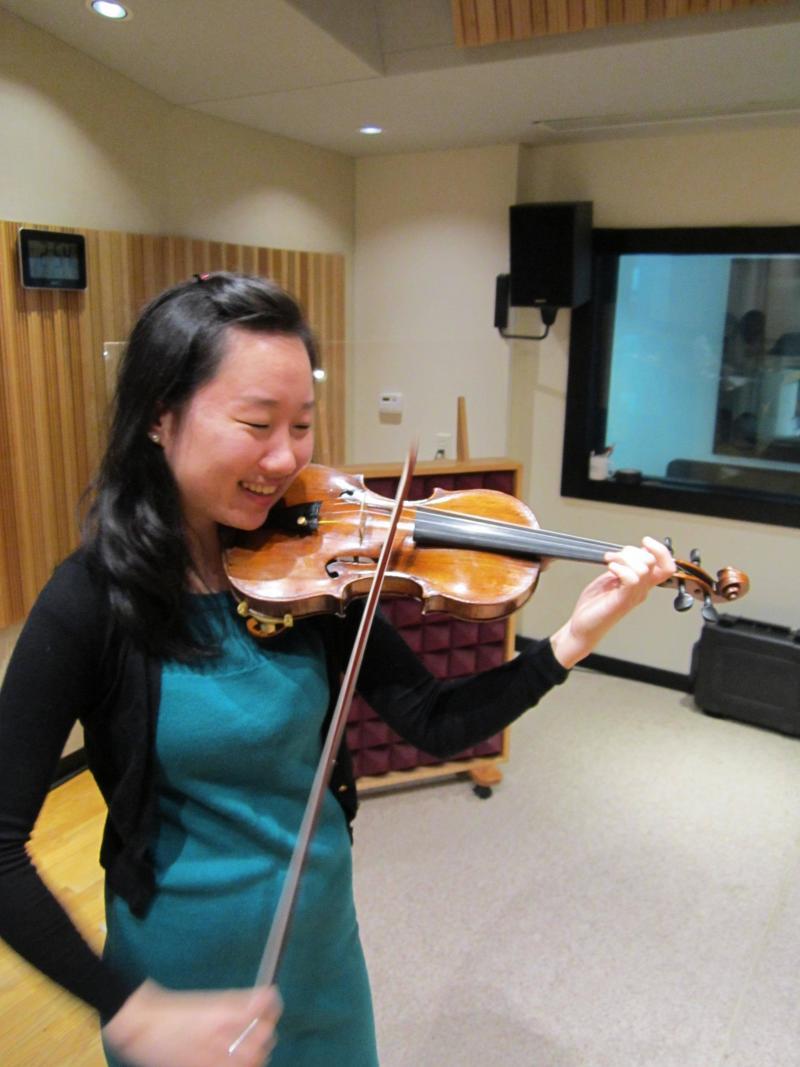Violinist Wanzhen Li performs in IPR's Studio A